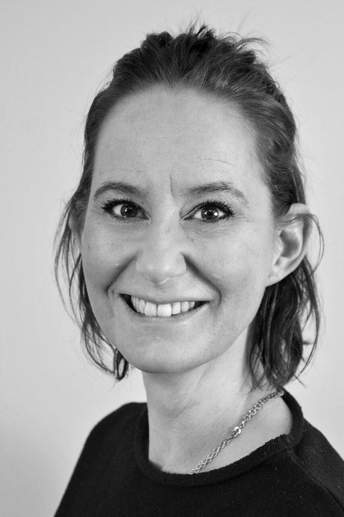 Smart Kompetens Caroline Svartvit